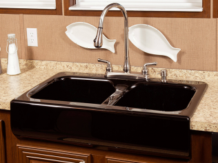 Farmhouse Sink with Gooseneck Faucet
